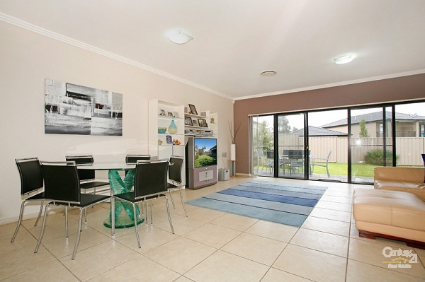 10/54 Osprey Dr, Illawong - Villa for Sale in Illawong