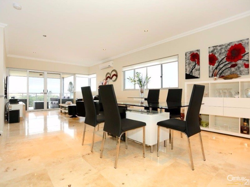 21B Oversby Street, Halls Head - Townhouse for Sale in Halls Head