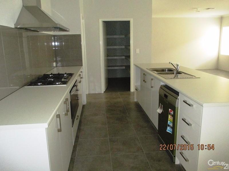 71 Lake Valley Drive, Lakelands - House for Rent in Lakelands