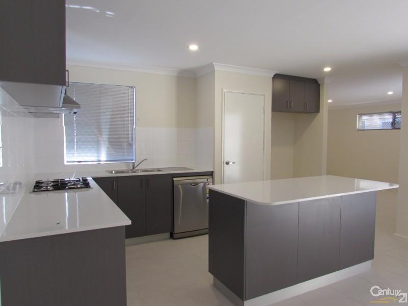 74 Bridgewater Boulevard, Erskine - House for Rent in Erskine