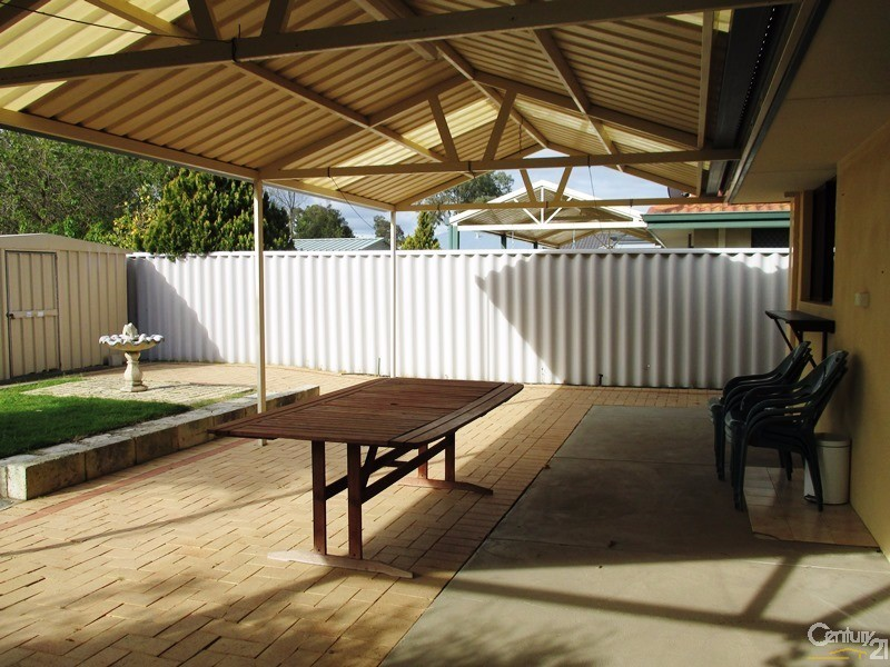 2A Duncan Road, Coodanup - House for Rent in Coodanup
