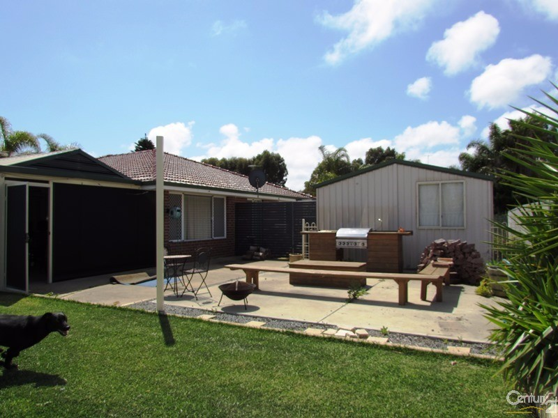 8 Killarney Retreat, Meadow Springs - House for Rent in Meadow Springs