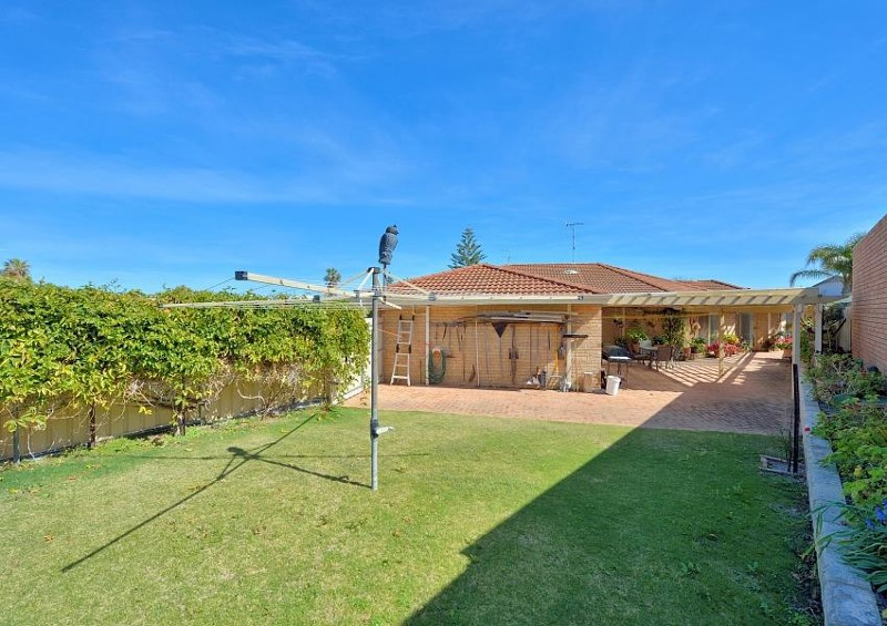 2 Rocklea Place, Silver Sands - House for Sale in Silver Sands