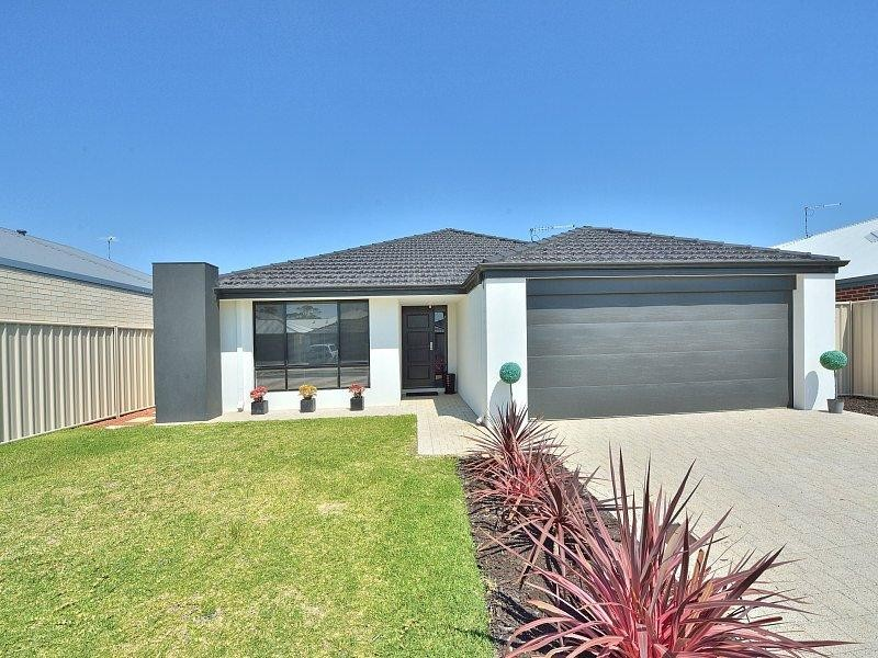 32 Longmeadow Vista, Meadow Springs - House for Sale in Meadow Springs