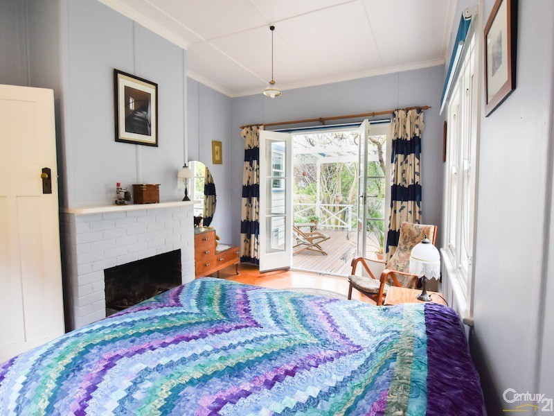2nd bedroom with fireplace - 17-19 Tyndall Street, Mittagong - House for Sale in Mittagong