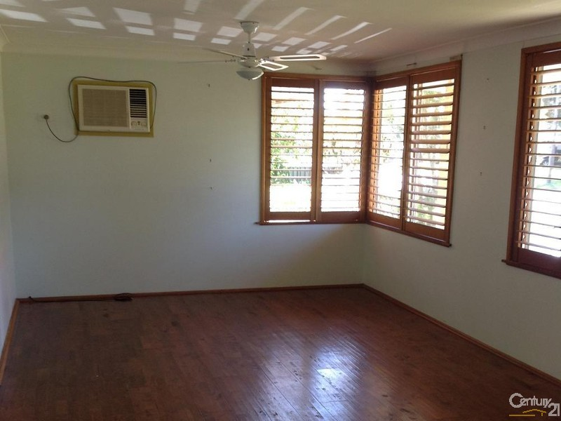 9 Henry Street, Chittaway Point - House for Rent in Chittaway Point