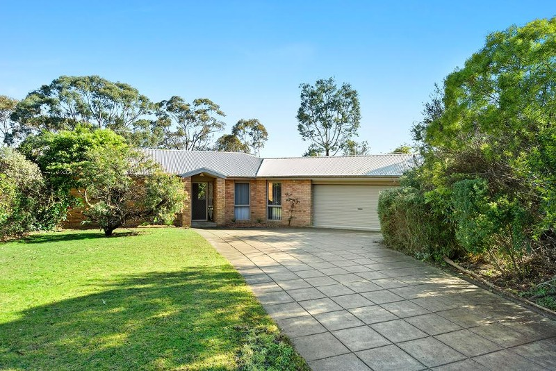 9 Charles Court, Somers - House for Sale in Somers