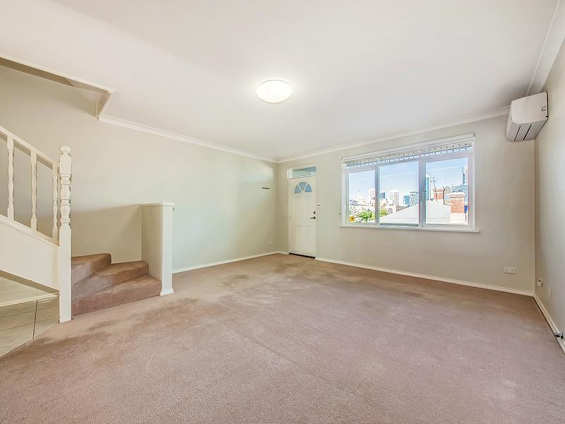 66A Robinson Avenue, Perth - Townhouse for Rent in Perth