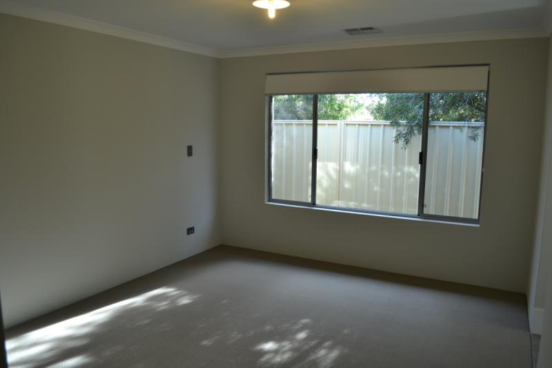 66a Cross Street, Queens Park - House for Rent in Queens Park