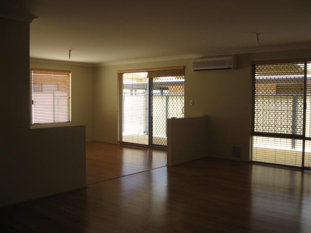 5 Jackadder Ave, Hammond Park - House for Rent in Hammond Park