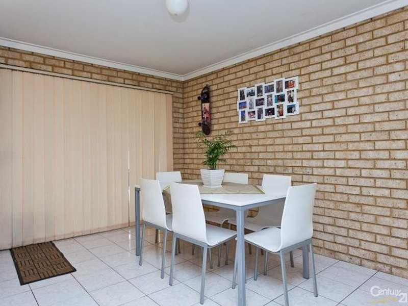 21 Forest Lakes Drive, Thornlie - House for Sale in Thornlie