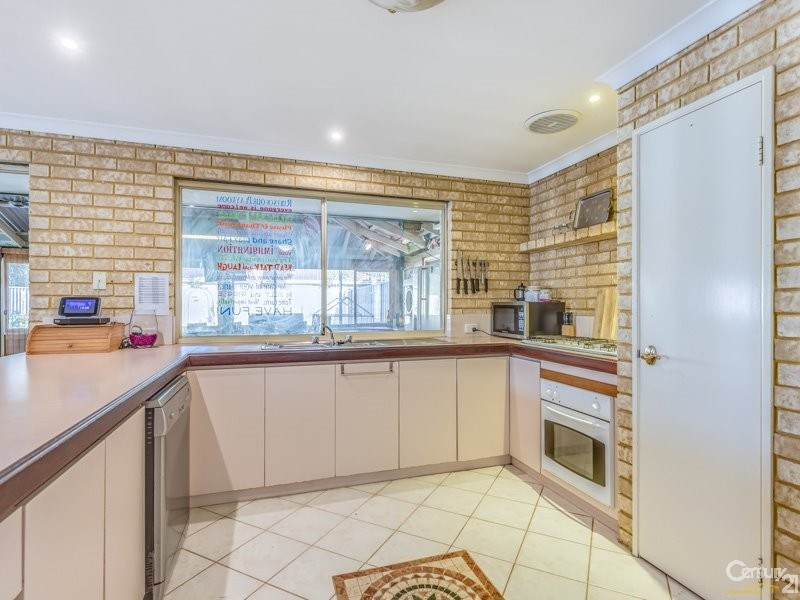10 Petrel Close, Seville Grove - House for Sale in Seville Grove