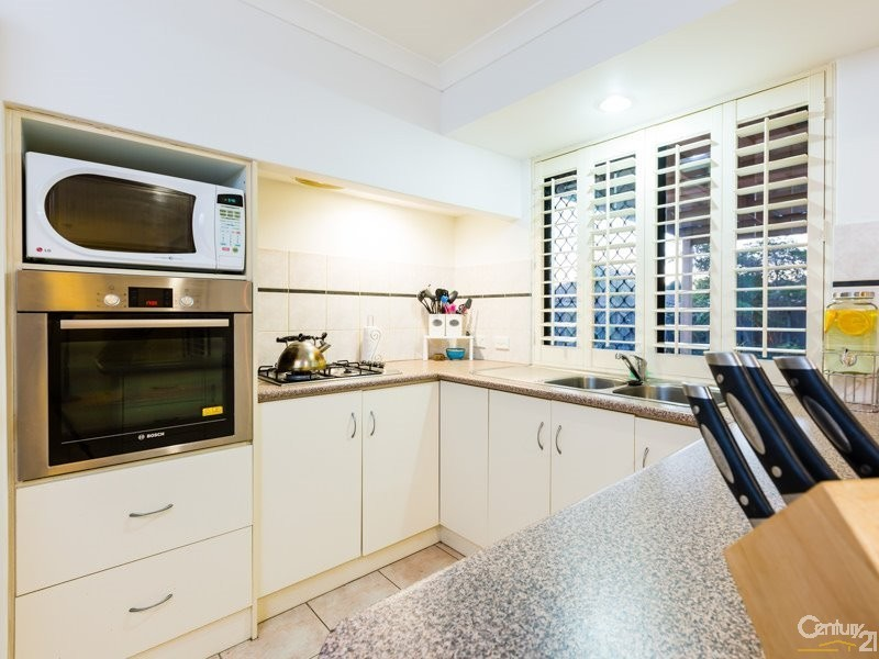4A Ball Place, Queens Park - House for Sale in Queens Park