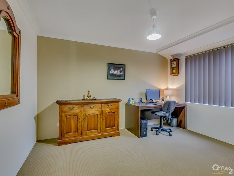 17 Fulmar Way, Seville Grove - House for Sale in Seville Grove