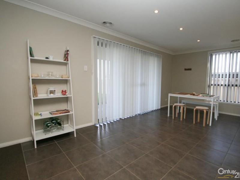 1 Bella Vista Close, Orange - House for Rent in Orange