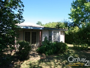 CENTURY 21 Combined Orange Property of the week